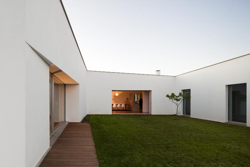Casa Candeias - João Luís Carrilho da Graça
