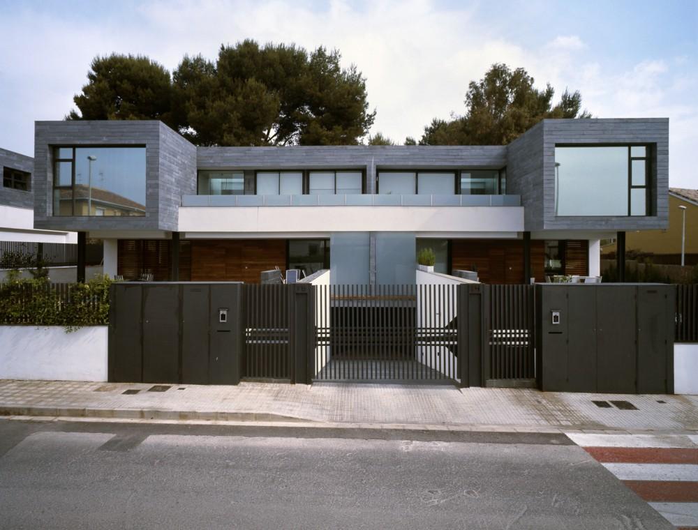 6 Viviendas Pareadas y 1 vivienda Aislada en Rocafort / Antonio Altarriba Comes