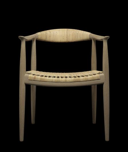 Milán 2014: PP Møbler relanza en edición limitada la Original Round Chair de Hans J. Wegner
