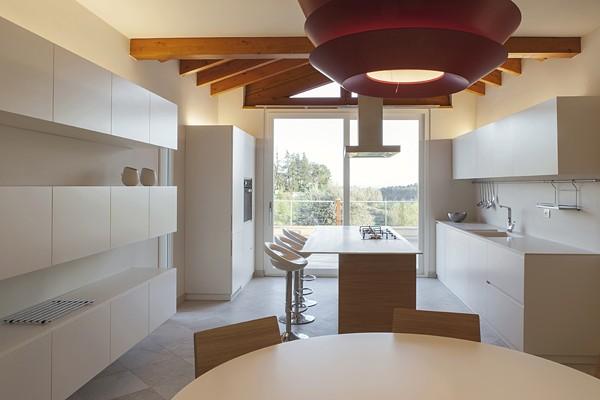 Cocina y comedor en la Toscana - Studiòvo - Tecno Haus