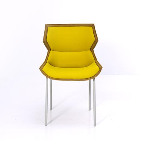 El sillón y la silla Clarissa Hood - Patricia Urquiola