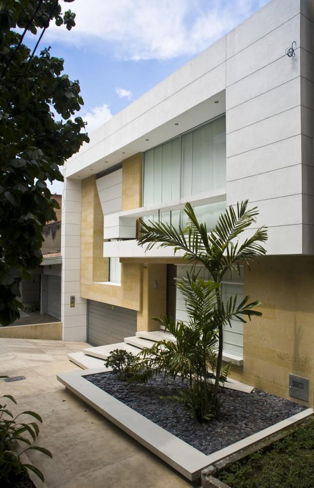Casa Laureles - Carlos Molina Londoño