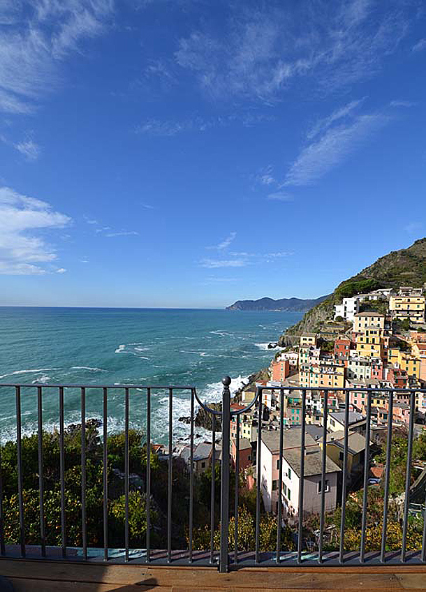 Casa con vistas al mar de Liguria - Alessandro De Luca / Consuelo Orlando