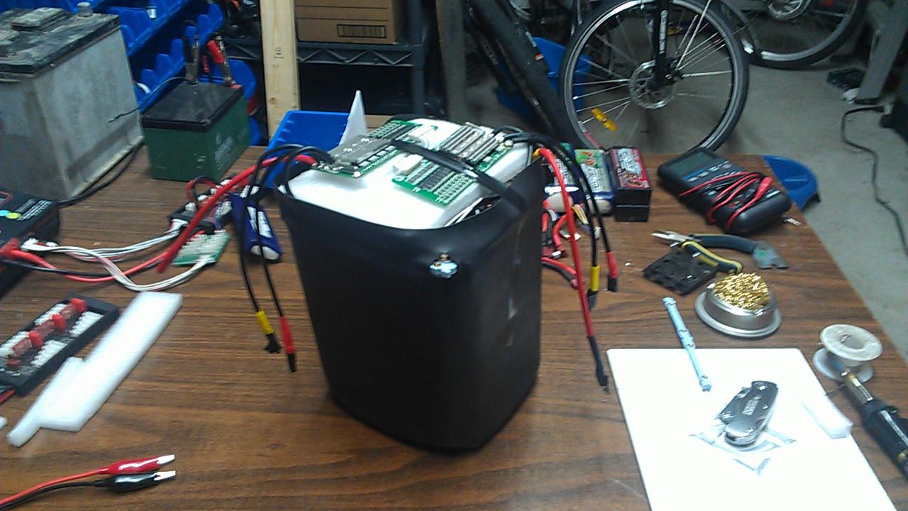 Ma derniere creation 24 volt 40AH ou 48 volt 20AH IMAG0165